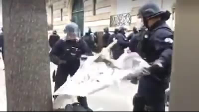 Pays des libertés, des droits de l'homme... NON Vous êtes en France!