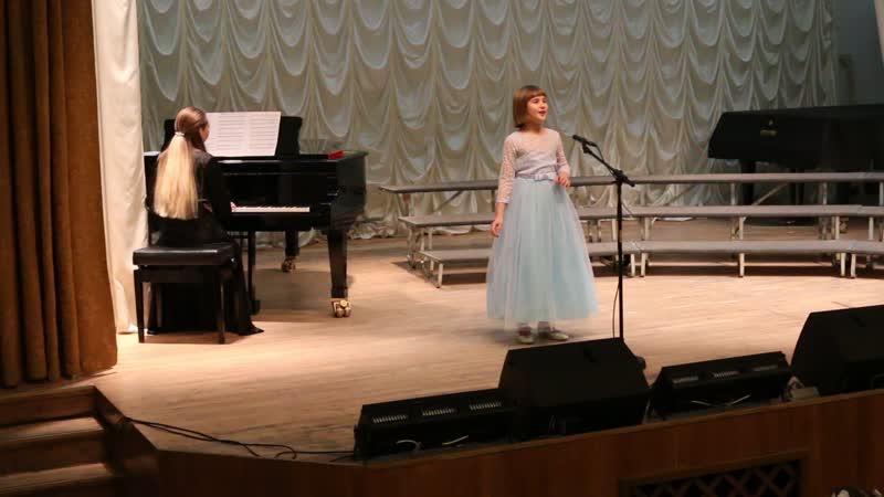 Мария 8 лет итальянская песня Счастливая школьный концерт