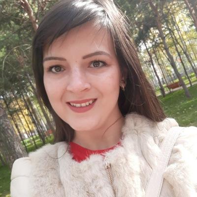 Анюта Сафонова