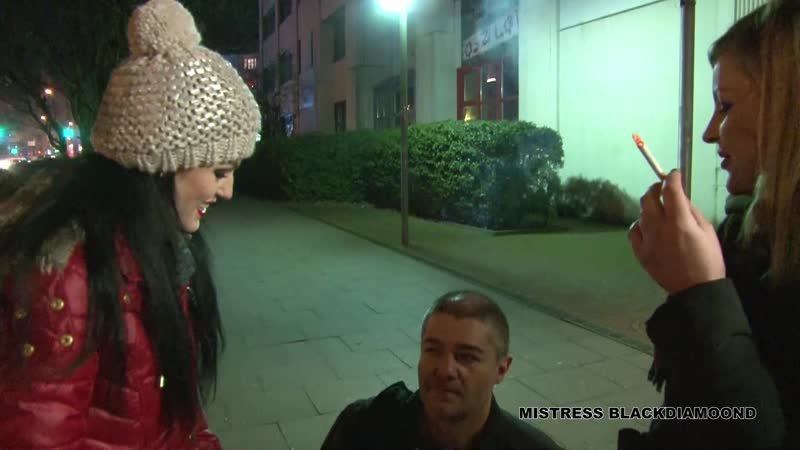 Pro-Dominatrix_Berlin_Blackmail_outdoor_with_Miss_Aimee_and_Lady_Blackdiamoond