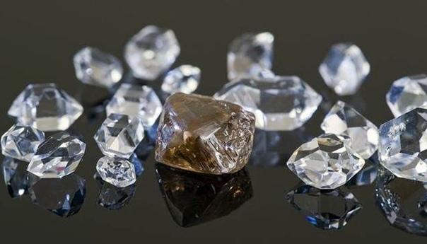 Как в СССР поступили с женщинами-геологами, которые первыми нашли якутские алмазы: Лариса Попугаева и Наталия Сарсадских