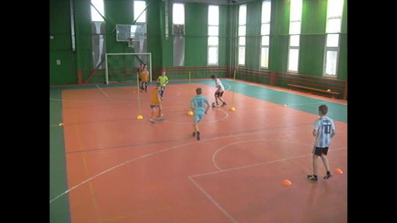 ДФШ Бойцов Team. Упражнение № 17 : футбольное упражнение на отработку навыков паса и игры в одно касание.