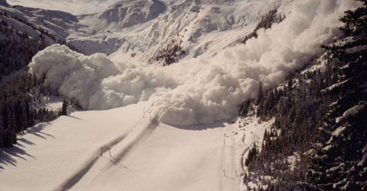 В КЧР при сходе лавины в Архызском ущелье один человек погиб