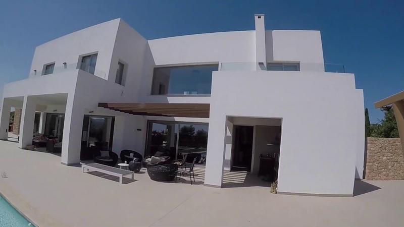 Ibiza Trip. сняли виллу стоимостью 450 млн руб