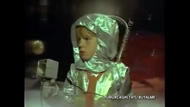 Yumurcağın Tatlı Rüyaları Filmi 1971 İlker İnanoğlu Ediz Hun Filiz Akın 2.Kısım