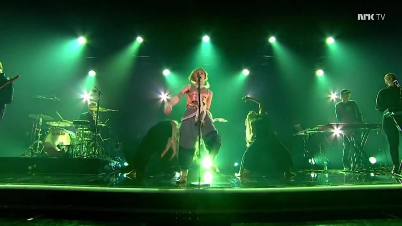AURORA - Forgotten Love (Live on Lindmo 2018)