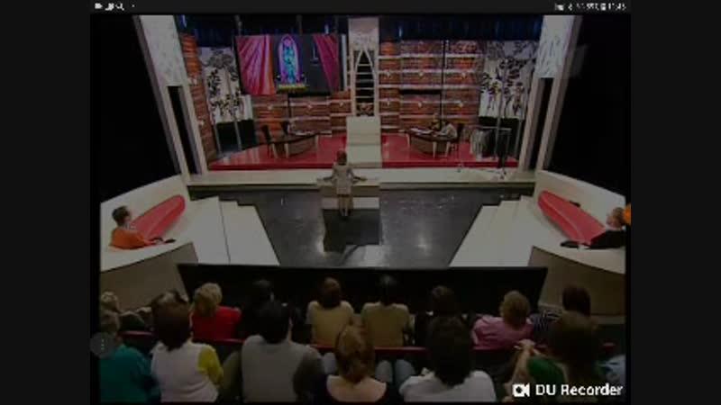 Модный приговор (01.02.2008) Дело о рваных кроссовках: жена протв мужа; дресс-код против свободы личности.