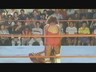 Female Classic Wrestling : Martel vs Divine