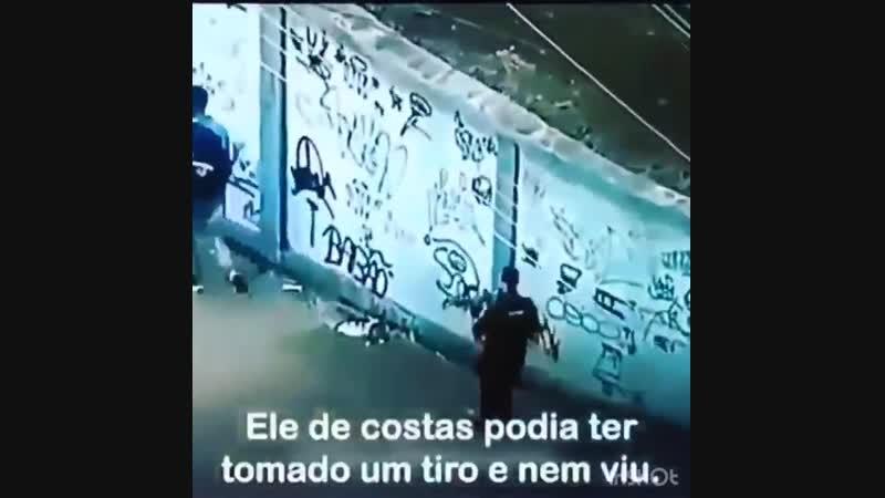 POBRE NEGRO MORADOR DE FAVELA O ESTADO CONSTRUIU A FIGURA DE UM INIMIGO POLÍCIA ️