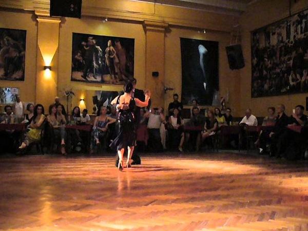 La vieja serenata Ernesto Balmaceda y Stella Baez en Soho Tango