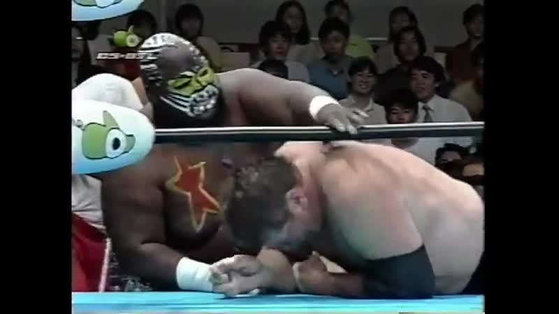 1997.08.22 - Stan Hansen vs. Giant Kimala II