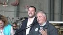 Roma, Salvini accoglie 51 migranti all'aeroporto di Pratica di Mare