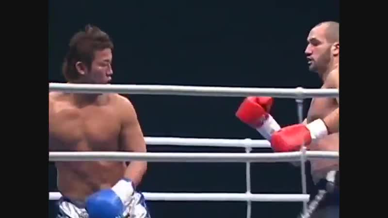 13 years ago today, Brazilian kickboxing legend Glaube Feitosa did THIS! Who do you think has the best knees in GLORY today