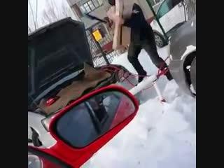Как завести автомобиль в Томске: инструкция
