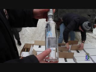 Полицейские Х-М изъяли крупную партию алкоголя с признаками подделки