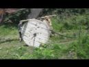 Разматываем катушку с магистральным кабелем с помощью трактора 3