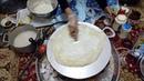 عمل خبز الرقاق باليد