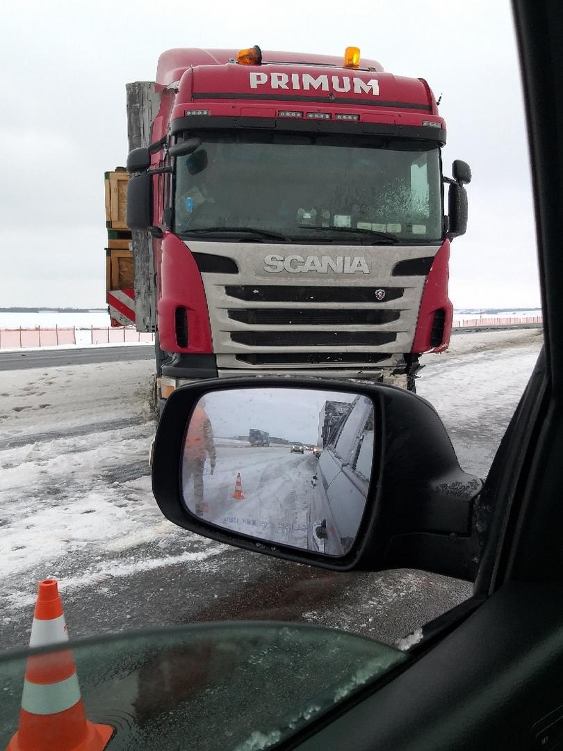 """Серьёзная авария на трассе М1 у """"зубра"""""""