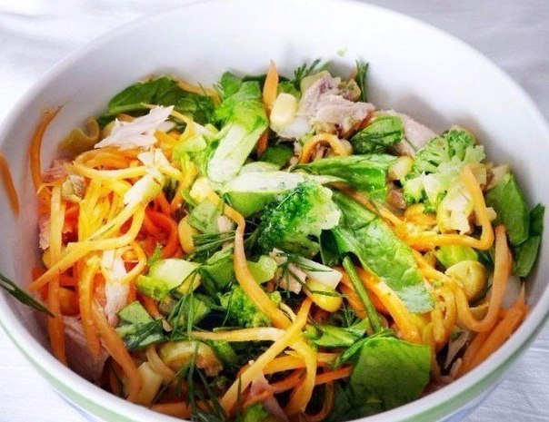 Правильное питание: ТОП-5 идей салатов для легкого перекуса