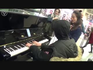Как нужно играть на пианино