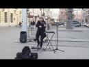 Талантливый уличный музыкант Питер