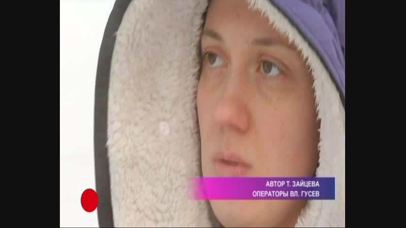 Девушка вытащила из руин дома двоих детей