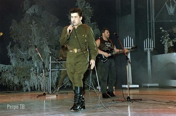 Солист группы Любэ Николай Расторгуев во Дворце спорта Лужники