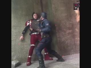 А вот так выглядела постановка боя Тони и Кэпа для Гражданской Войны