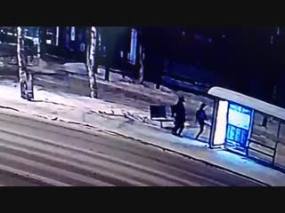News29 - Видео новогоднего погрома остановки на Троицком проспекте