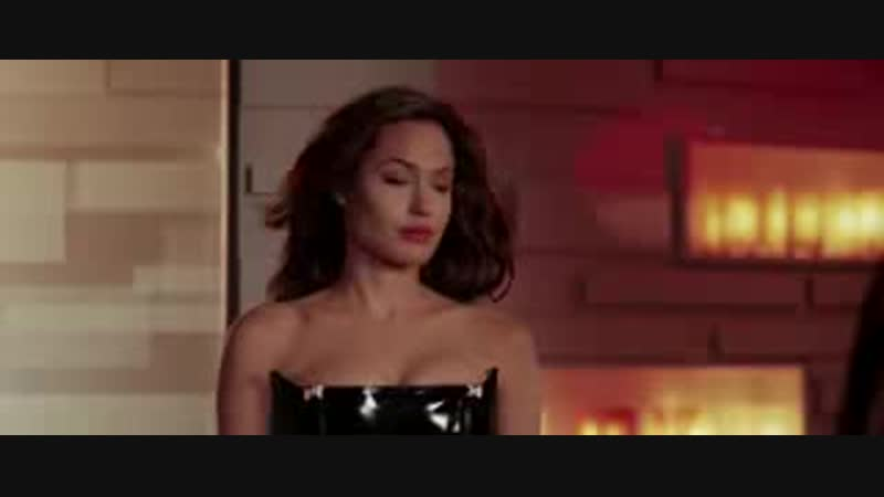 Любовь с первого взгляда Анджелина Джоли