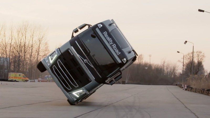 Volvo Trucks - Трюк на 2х колесах
