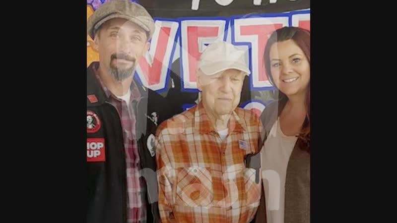 Американская пара приютила старика бежавшего от пожаров в Калифорнии