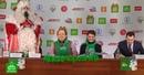 В Петербурге Дед Мороз вместе с командой НТВ навестил многодетную семью, особенного ребенка и гимназистов