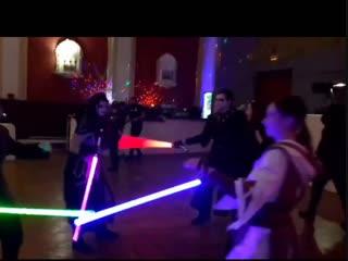 Танцы со световыми мечами.
