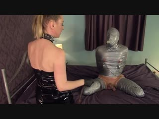 Mistress-bangs-the-wrapped-slave (бдсм, фемдом, страпон, вибро, прищепки, сперма)