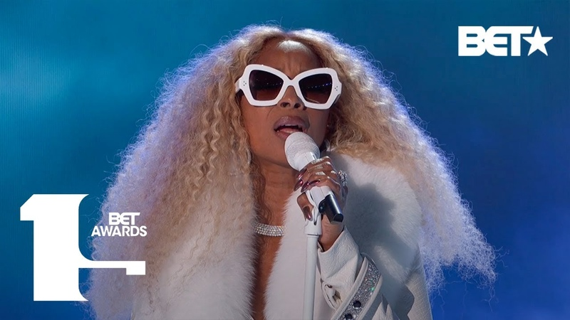 """Mary J. Blige Performs """"My Life,"""" Real Love,"""" More In ICONIC Performance! 
