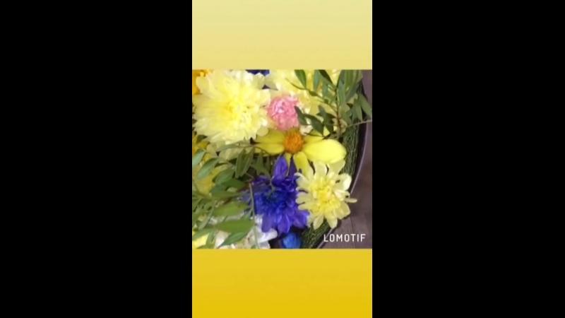 Цветы микс в коробке-сердце