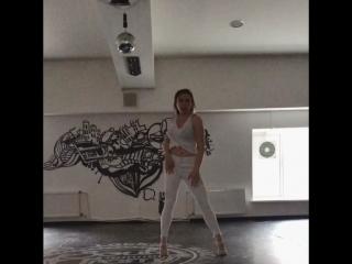 Delice. Нерсесова Юля/ Ciara - Tell me what your name is/ импровизация