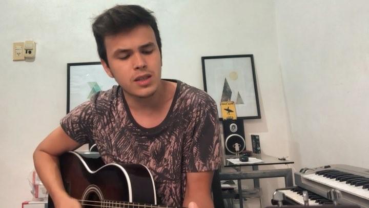 """Fer Alcaraz on Instagram: """"Les dejo este temoon de @agustincasanova_ byebye Escuchenlo está muuuy bueno! . . . . . cover acoustic acustico ag..."""
