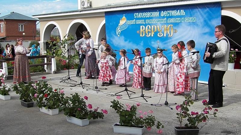 Девка по саду ходила. Детский литургический хор Росток (Набережные Челны).