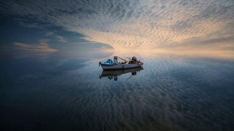 Картинка океан. Море, лодка, небо. Okeāna attēls. Jūra, laiva, debesis