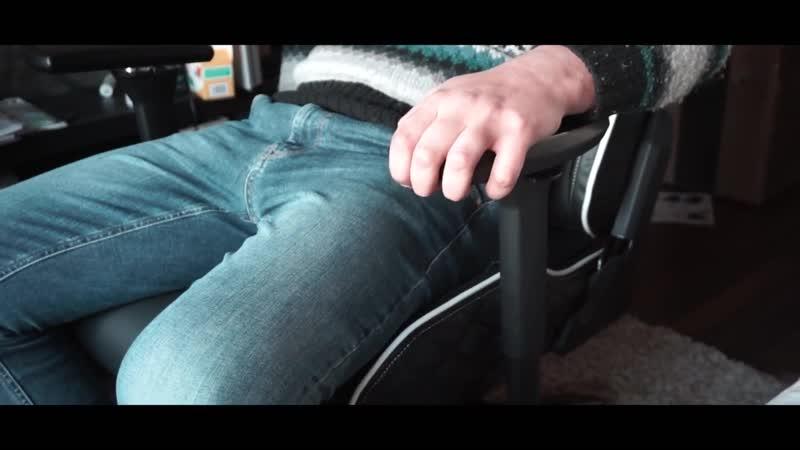 Глад Валакас Падение со стула