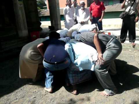 Miraculous Levitation of Stone @ Qumar Ali Darvesh Dargah Khed Shivapur Pune India