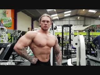 Danny walker 23 Years Old School Aesthetics POSING FLEXING Bodybuilding Motivation