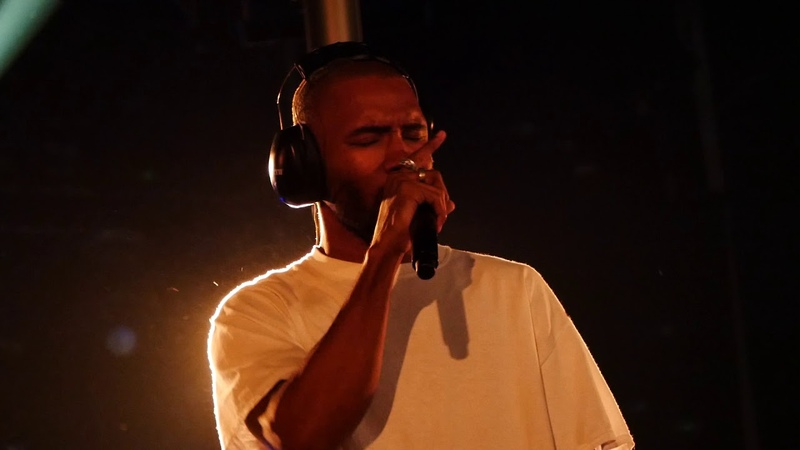 Frank Ocean - Pyramids [Live at Way Out West] (10/08/17)