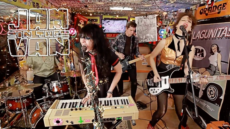 DEATH VALLEY GIRLS - Disaster is What We're After (Live at Desert Daze 2017) JAMINTHEVAN