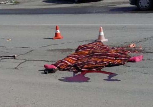 Женщина погибла после двойного наезда в КЧР