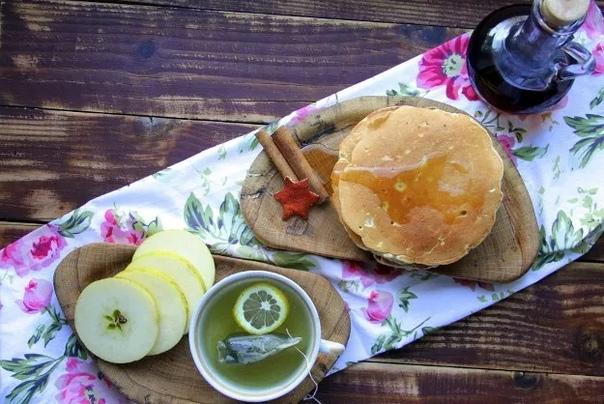 Канадские панкейки с яблоком и корицей