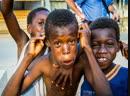 Африка зажигает,танцуют все.Omunye phez komunye