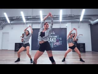 KATARINA DALLAS | DANCEHALL | MASH UP INTERNATIONAL FEAT. SHENSEEA - WAISTLINE TING | OBLAKO